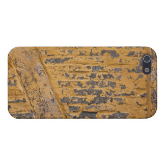 Old yellow wall case for iPhone 5/5S