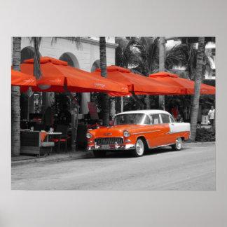 Oldtimer en la impulsión Miami Beach del océano