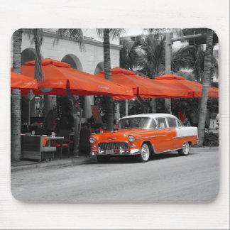 Oldtimer en la impulsión Miami Beach del océano Tapetes De Raton
