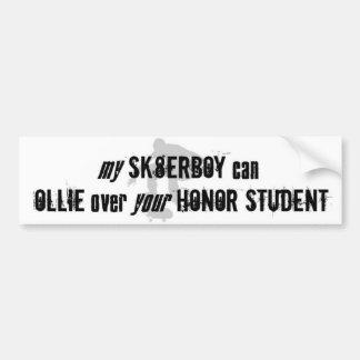 Ollie sobre su estudiante Bumpersticker del honor Etiqueta De Parachoque