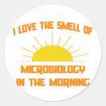 Olor de la microbiología por la mañana pegatina redonda