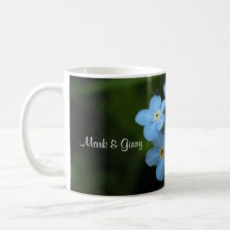 Olvídeme no las flores novia y taza de café del no
