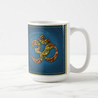 OM (AUM XL - SOY) - oro marco - azul Taza Básica Blanca