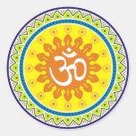 OM con el estilo indio tradicional Mandana Etiqueta