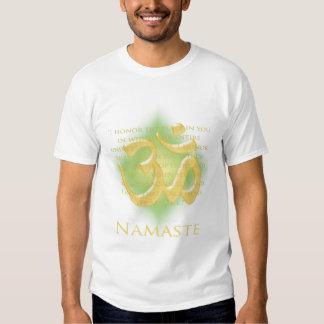 OM en el verde y el oro - Namaste Polera