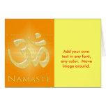 OM en los naranjas y el oro - Namaste Felicitacion