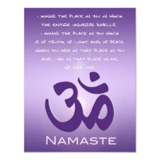 "OM en púrpuras - Namaste Invitación 4.25"" X 5.5"""