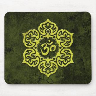 OM floral de piedra verde Alfombrillas De Raton