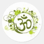OM floral verde budista Pegatinas Redondas