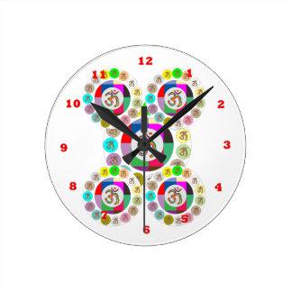 "OM Mantra Symbol : Chant n Meditate ""OM HARI OM"" Round Clock"