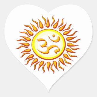 OM radiante Sun Pegatina En Forma De Corazón