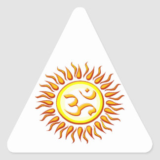 OM radiante Sun Pegatina Triangular