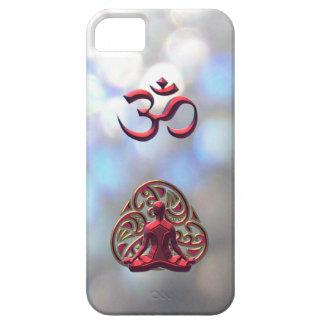 OM-Símbolo céltico real de la meditación para el i iPhone 5 Case-Mate Protector