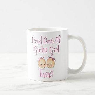 Oma orgulloso de los gemelos del chica taza clásica