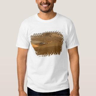 Omán, desierto de Khali del Al de la frotación, Camisas
