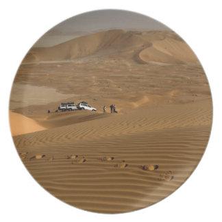 Omán, desierto de Khali del Al de la frotación, co Platos