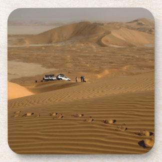 Omán, desierto de Khali del Al de la frotación, co Posavasos De Bebidas