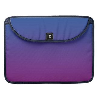 Ombre azul marino y púrpura funda macbook pro