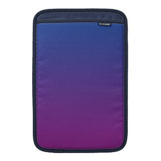 Ombre azul marino y púrpura fundas MacBook