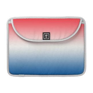 Ombre blanco y azul rojo funda para macbook pro