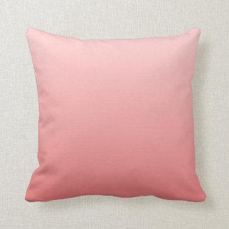 Ombre coralino rosado y ligero cojín