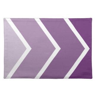 Ombré púrpura Chevron raya el modelo Mantel