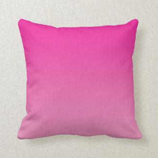 """Ombre rosado"" Cojín"