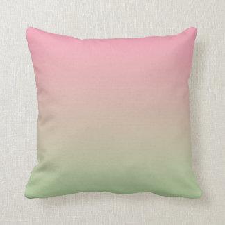 """""""Ombre rosado y verde"""" Cojín Decorativo"""