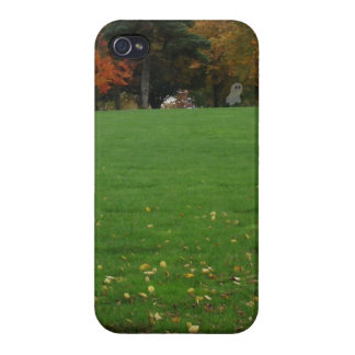 OMG>>> Ghost in the Graveyard!!! iPhone 4/4S Cover