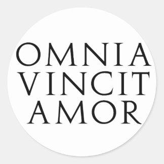 Omnia Vincit Amor Classic Round Sticker