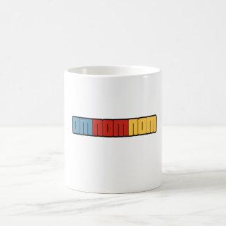 OMNOMNOM CLASSIC WHITE COFFEE MUG