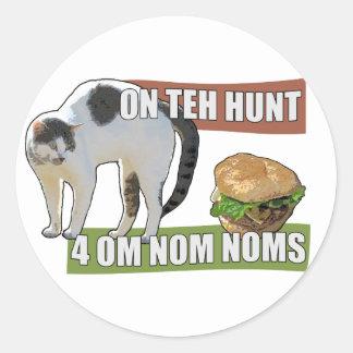 On Teh Hunt 4 Om Nom Noms Classic Round Sticker