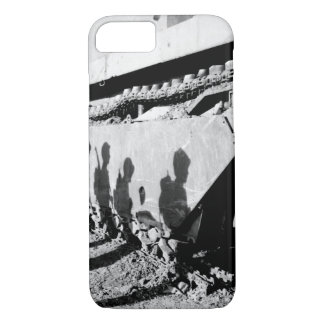 On the flank of a battle-wrecked alligator_War Ima iPhone 8/7 Case