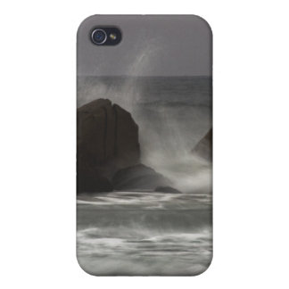 On The Rocks - White Point Beach, NS Cases For iPhone 4