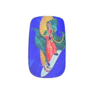 onda azul de la monja que practica surf pegatina para uñas