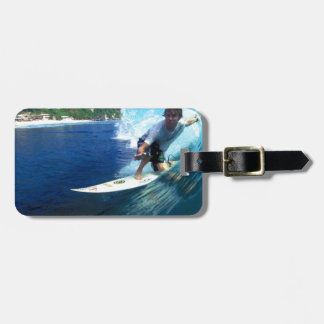 Onda azul del barril de Bali que practica surf Etiqueta Para Maleta