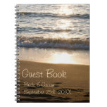 Onda del libro de visitas del boda en el cuaderno
