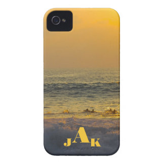 Onda final de las personas que practica surf de iPhone 4 cobertura