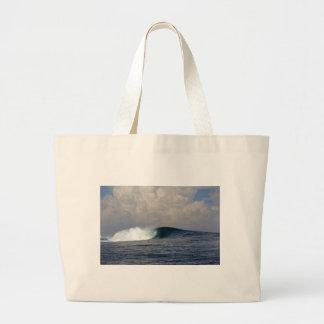 Onda que practica surf del océano tropical azul gr bolsa