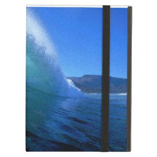 Onda que practica surf verde dentro del tubo