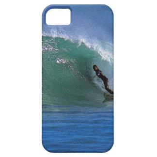 Onda que practica surf verde Nueva Zelanda iPhone 5 Carcasa