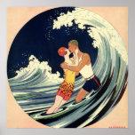Onda romántica de la playa del beso del amor del a posters
