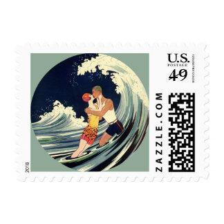 Onda romántica de la playa del beso del amor del sello