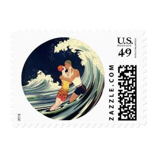 Onda romántica de la playa del beso del amor del timbres postales