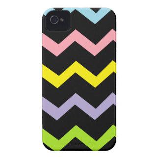 Ondas coloridas del triángulo iPhone 4 Case-Mate carcasas