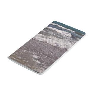 Ondas de agua de la playa cuaderno grapado
