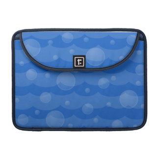Ondas de agua y manga de Macbook de las burbujas f Fundas Para Macbooks
