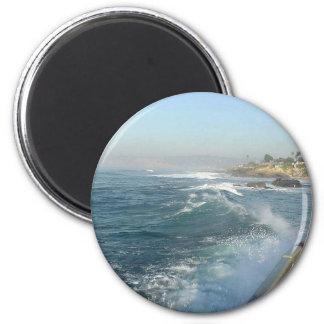 Ondas de la playa del océano de la ensenada de La  Imán Redondo 5 Cm