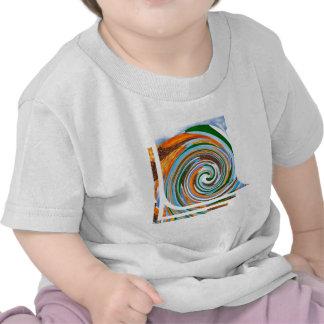 Ondas de la revolución del tornado Naturaleza Bla Camisetas