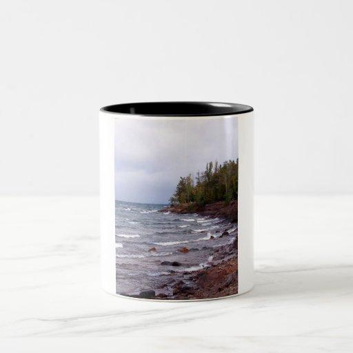 Ondas del lago Superior Tazas De Café